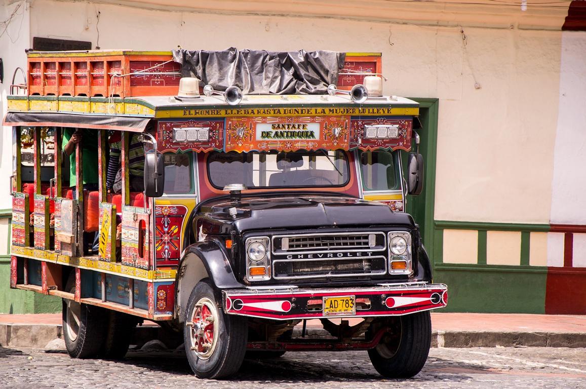 Kolumbischer Bus